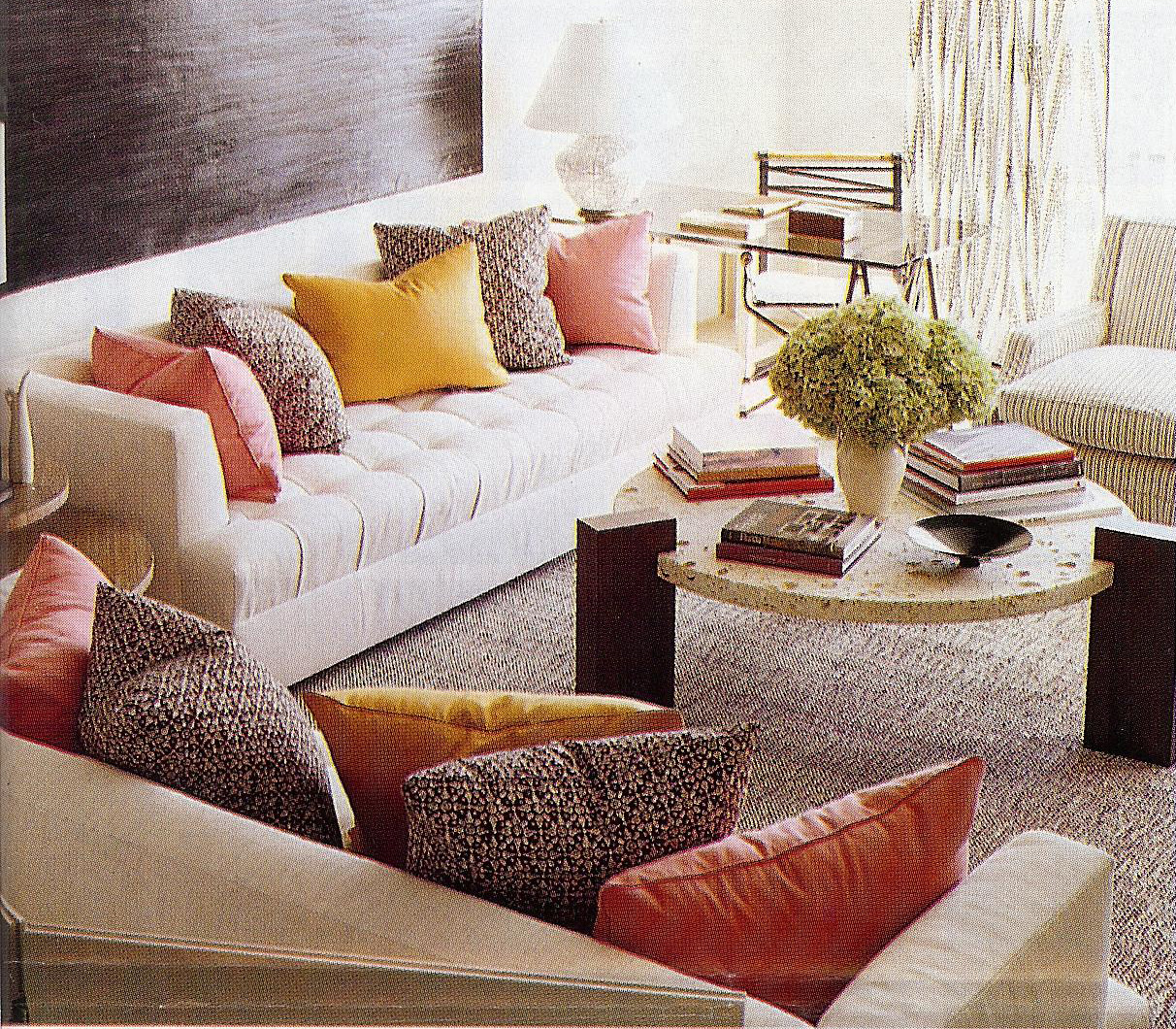 living room pillows. tips on choosing throw pillows. unusual